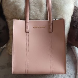 Nwt authentic Marc Jacobs New York shoulder bag